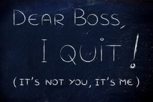 handwritten message to the boss: I quit, it